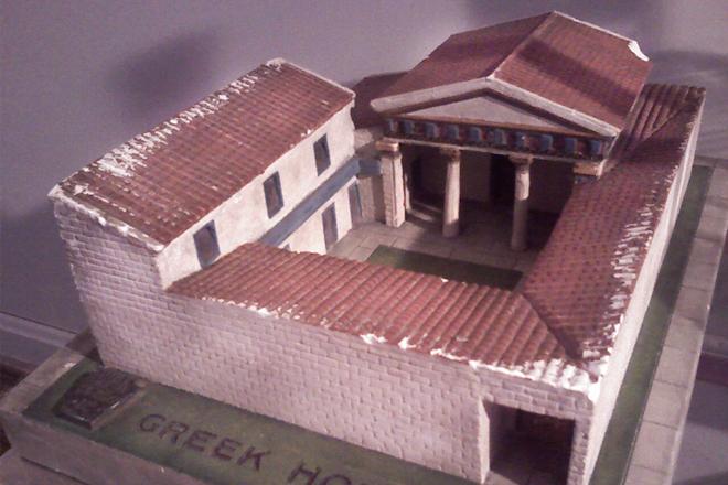 Reconstrucción de una antigua casa griega